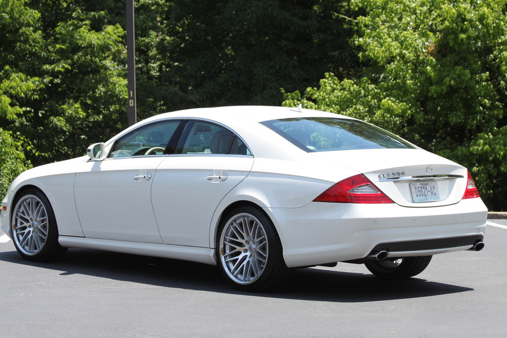 2009 mercedes benz c219 cls 550 on 20 lexani wheels. Black Bedroom Furniture Sets. Home Design Ideas