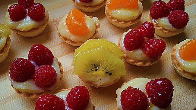 Mini tartaletas de crema pastelera con frutas