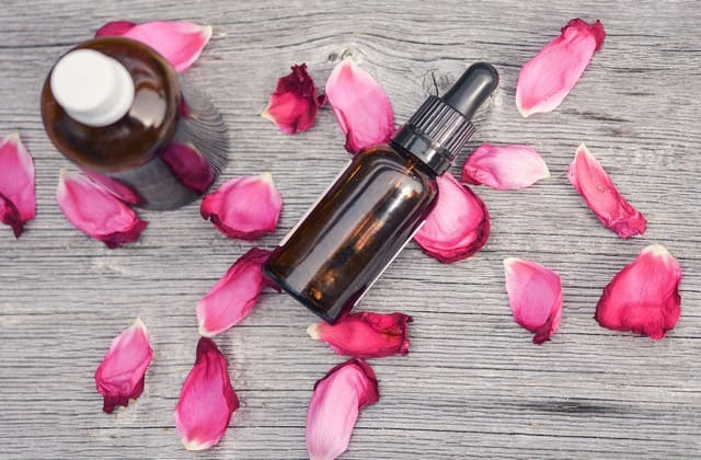Manfaat Air Mawar yang Konon Kabarnya Baik untuk Manusia, Terutama Membantu Merawat Kecantikan