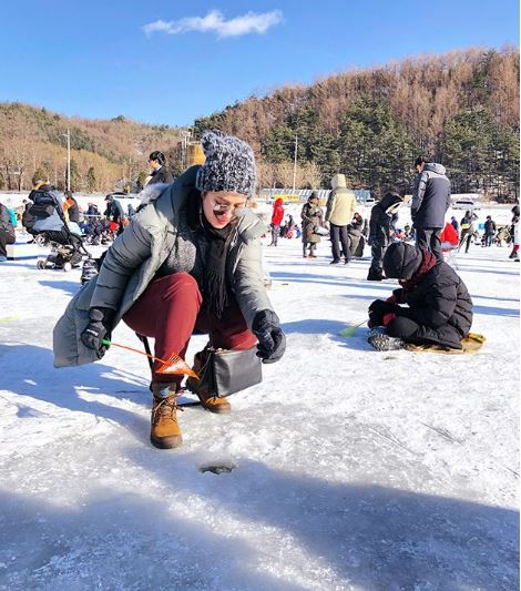 Angel Locsin Tries The Korean Ice Fishing Festival!