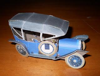 maqueta de papel de auto clásico