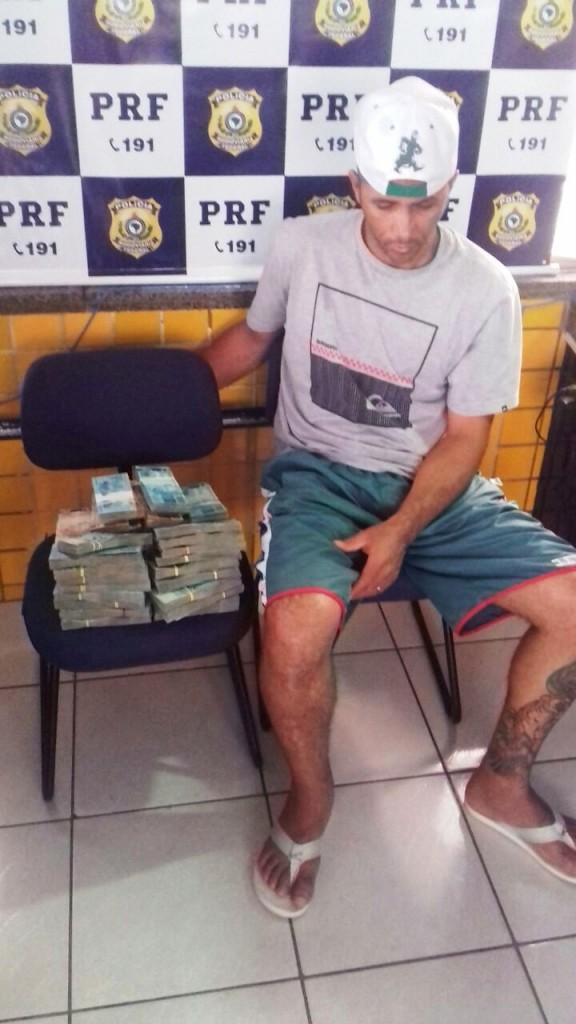 Homem é flagrado transportando R$ 450 mil em ônibus que seguia de São Paulo a Sobral