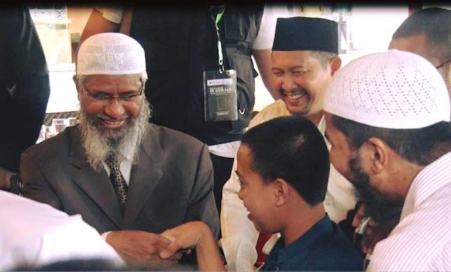 Dr Zakir Naik Terkesima Saat Bertemu Fajar, Penderita Cerebal Palsy yang Mampu Menghafal Al-Qur'an 30 Juz