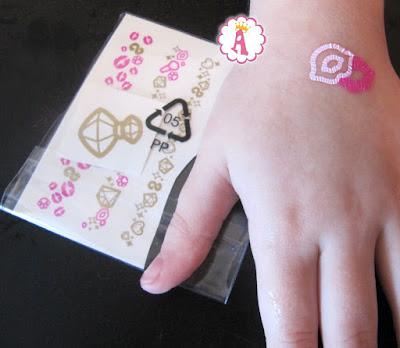 Как наносятся татуировки Шопкинс на руку