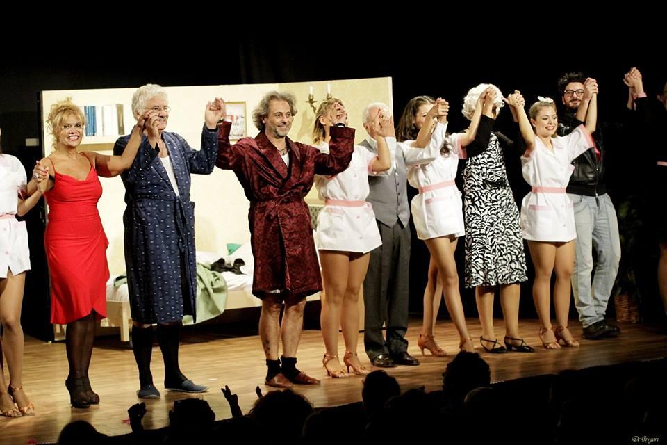 Gossip e spettacolo inciucio successo di pubblico al for Casa granada tirso de molina