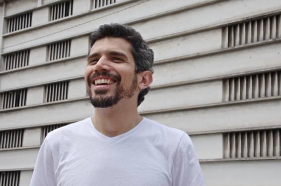 O cantor Victor Mendes apresenta 'Nossa Ciranda', primeiro disco solo em Iguape e Cananeia
