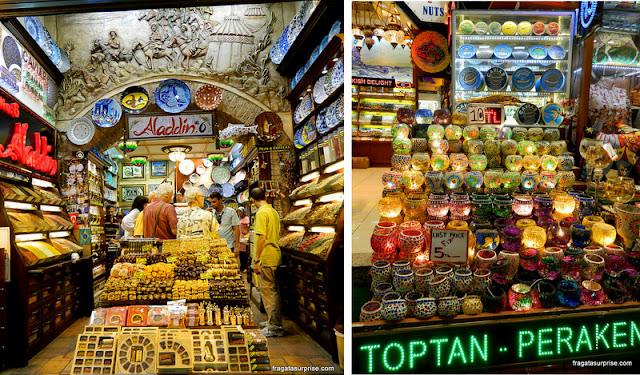 Lojas de doces no Bazar Egípcio de Istambul, Turquia