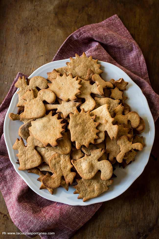 Foto con piatto di biscotti