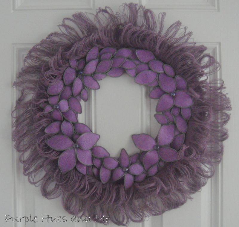 Burlap-Fringed-and-Bendable-Flowered-Wreath
