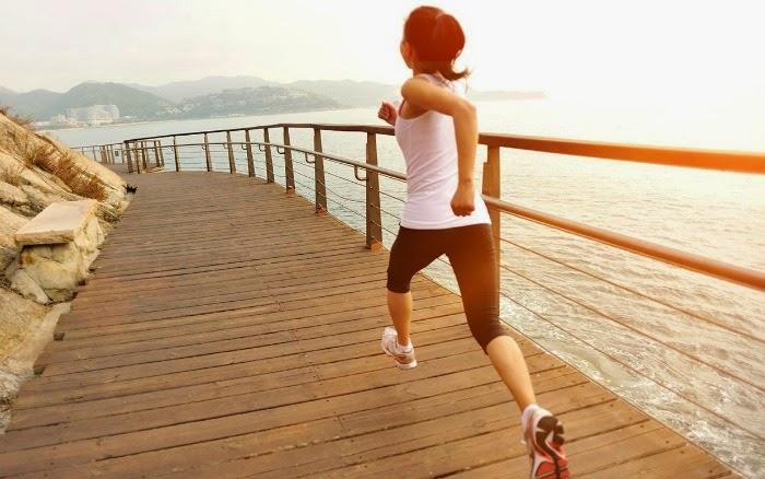 practicar ejercicio a diario para mantenerse en forma