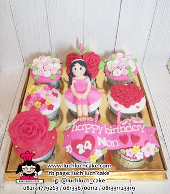Cupcake Fondant isi 9 Untuk Anak Perempuan
