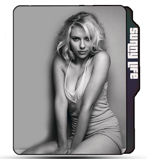 Hot Scarlet Johannson Greyscale pose icon, Scarlet Johannson folder icon, sexy celebrity icon, sexy girl curves icon.