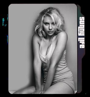 Hot Scarlet Johannson Greyscale pose icon, Scarlet Johannson folder icon, sexy celebrity icon, sexy girl curves icon.