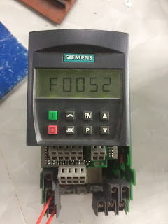 Sửa Biến Tần Siemens MicroMaster 420 1P 0.55kW - Sửa Biến Tần Huế
