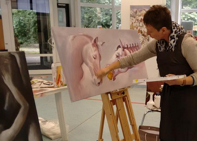 Livemalerei von Olga David während der Ausstellung  in München