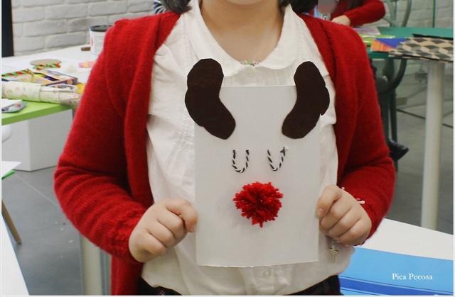postal-navidad-diy-materiales-reciclados-reno-pompon-lana-taller-alumnas