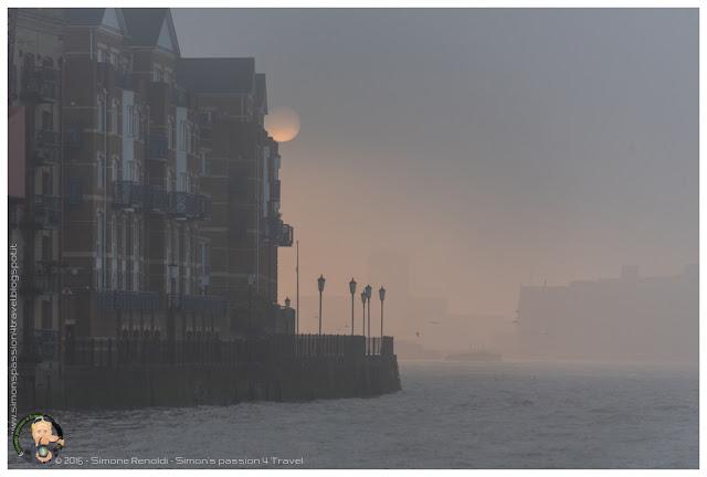 nebbia sul tamigi
