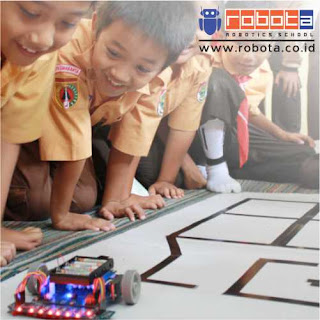 Pekerjaan Sampingan Sekolah Robot Kursus Robotik ROBOTA