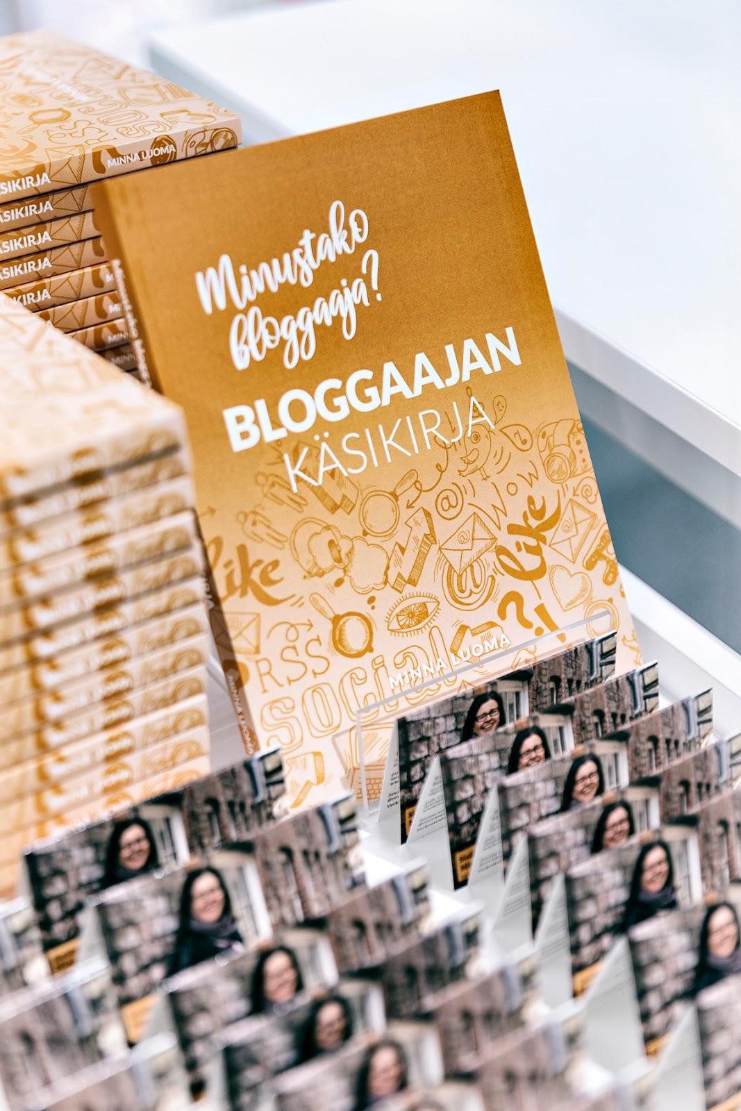 Bloggaajan käsikirja, bloggaaminen, blogi, miten blogataan, tavoitteellinen bloggaaminen, valokuvaaja, Frida Steiner, Visualaddict, visualaddictfrida, kirja, blogi_kirja, ohjeet bloggaajalle, tietokirja, tietoa_bloggaajalle, Rouva Sana, Minna Luoma, Suomalainen Kirjakauppa
