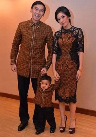 Baju Batik Kombinasi Brokat Untuk Acara Keluarga