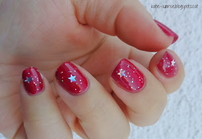 http://katie-sunrise.blogspot.co.at/2013/12/opi-from-to-z-urich-mit-claires-topper.html