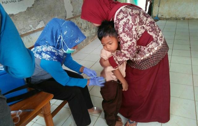 Siswa SD di Libureng Panik Lihat Jarum Suntik Saat Imunisasi Campak