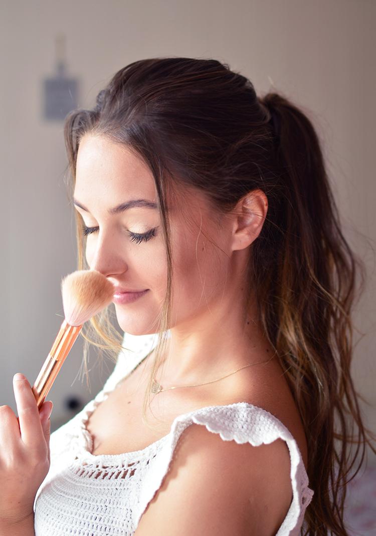 Sposoby na trwały makijaż latem - na imprezy, większe wyjścia i nie tylko - Czytaj więcej »