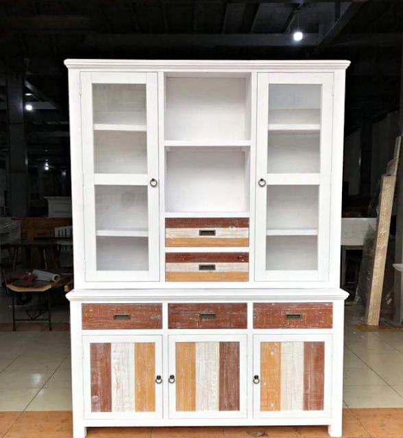 Tủ đứng gỗ thông nhập khẩu PK08