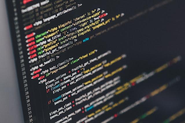 اللغات التي يجب علي مصمم الويب تعلمها في عام 2017