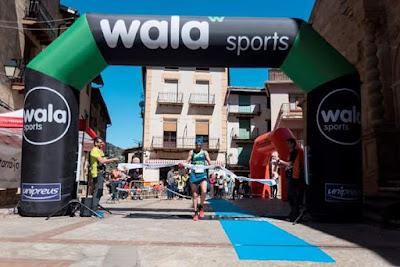 Ultra Trail estels del sud, Arnes, Beceite, plaza, corredores, llegada