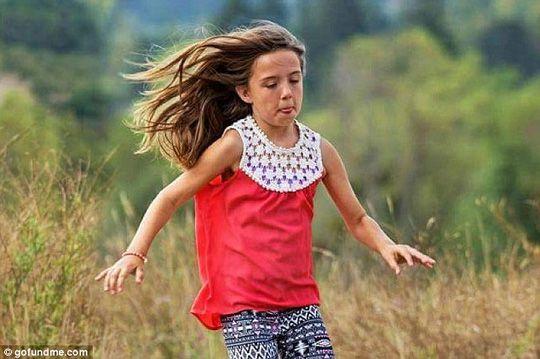 Cô bé 10 tuổi xả thân cứu 2 em nhỏ thoát chết