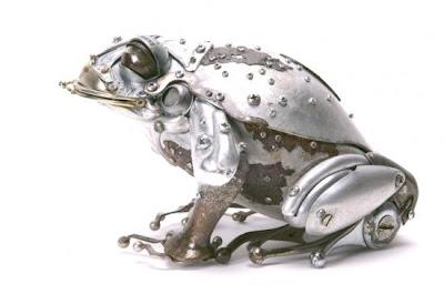 tortuga hecha con desechos metálicos.