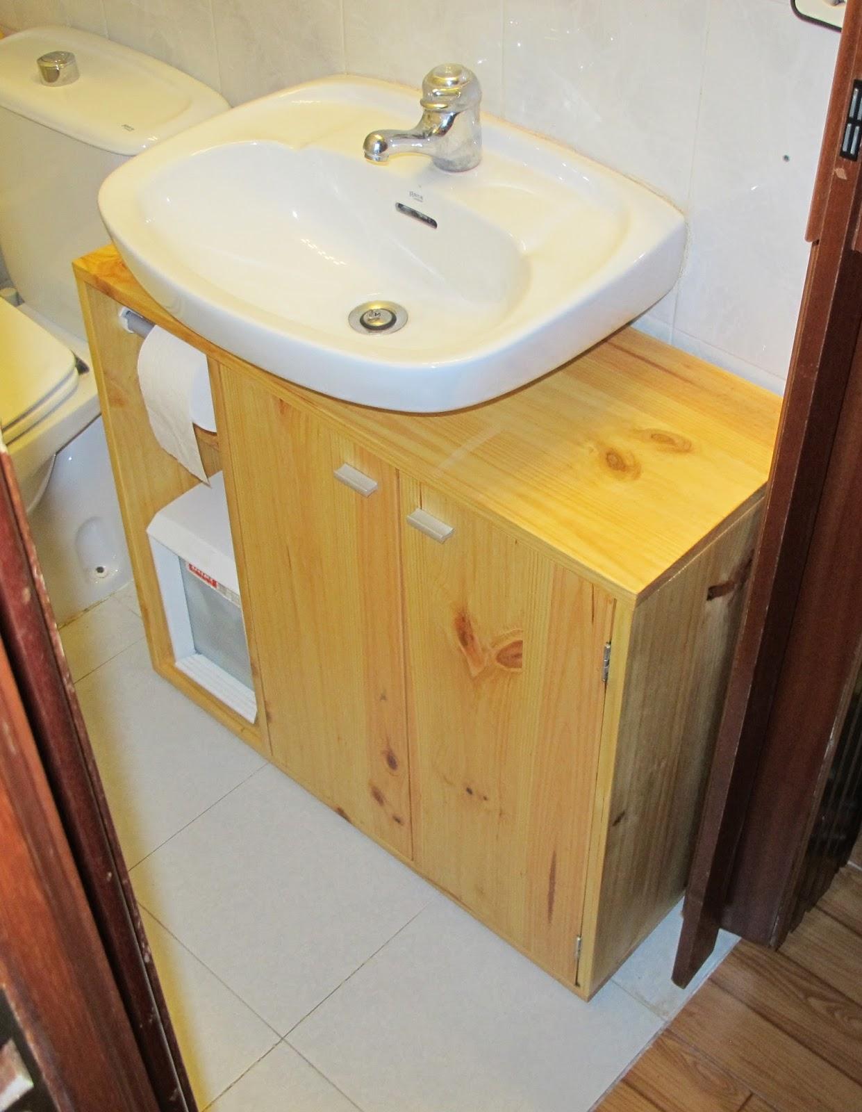 Bricomonxo mueble bajo lavabo de madera for Muebles para debajo del lavabo