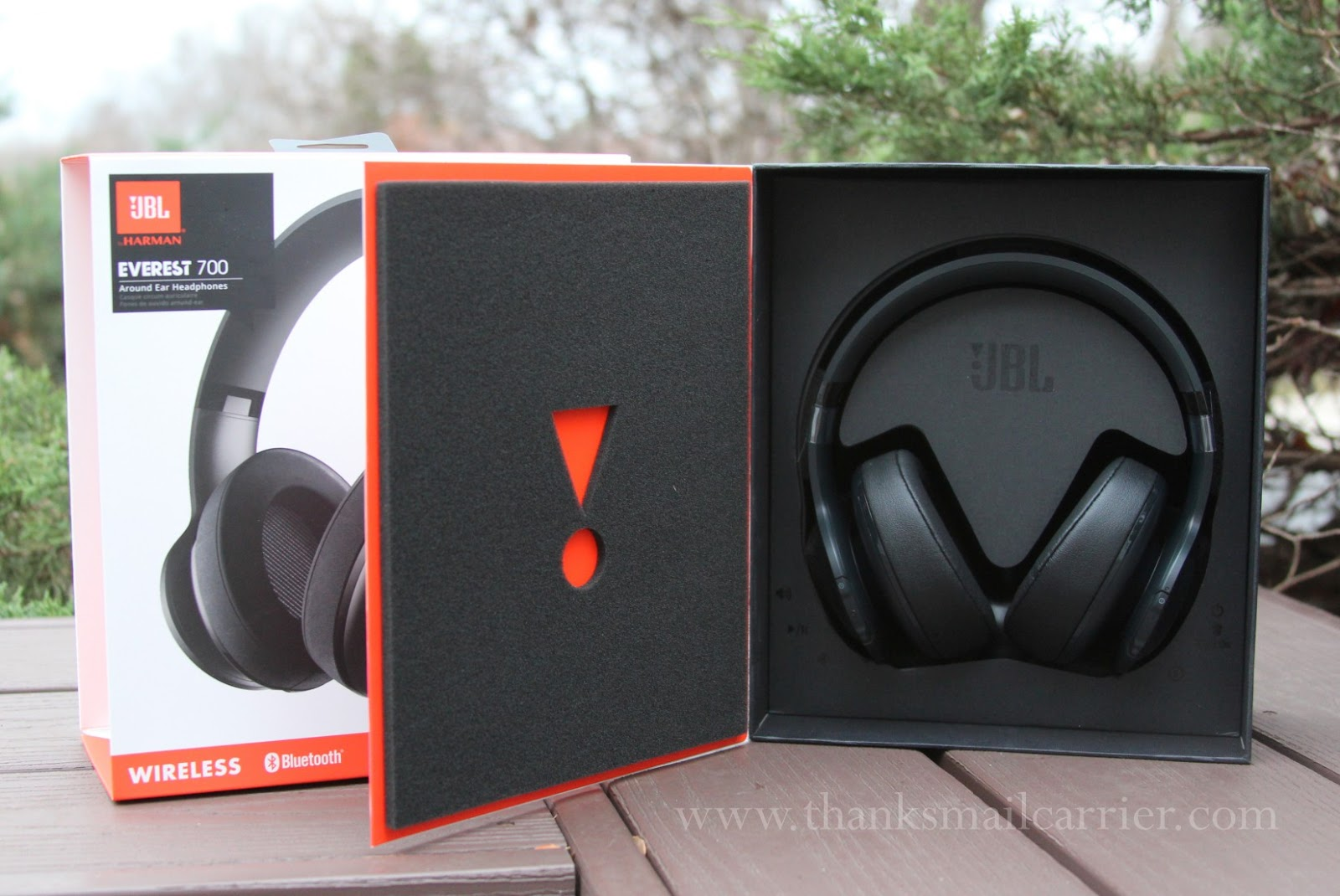 JBL Everest 700 around ear headphones