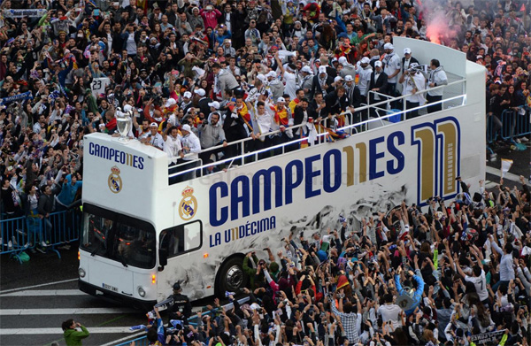 Real Madrid autobús descapotable celebración jugadores Campeones de la Champions Undécima copa de Europa