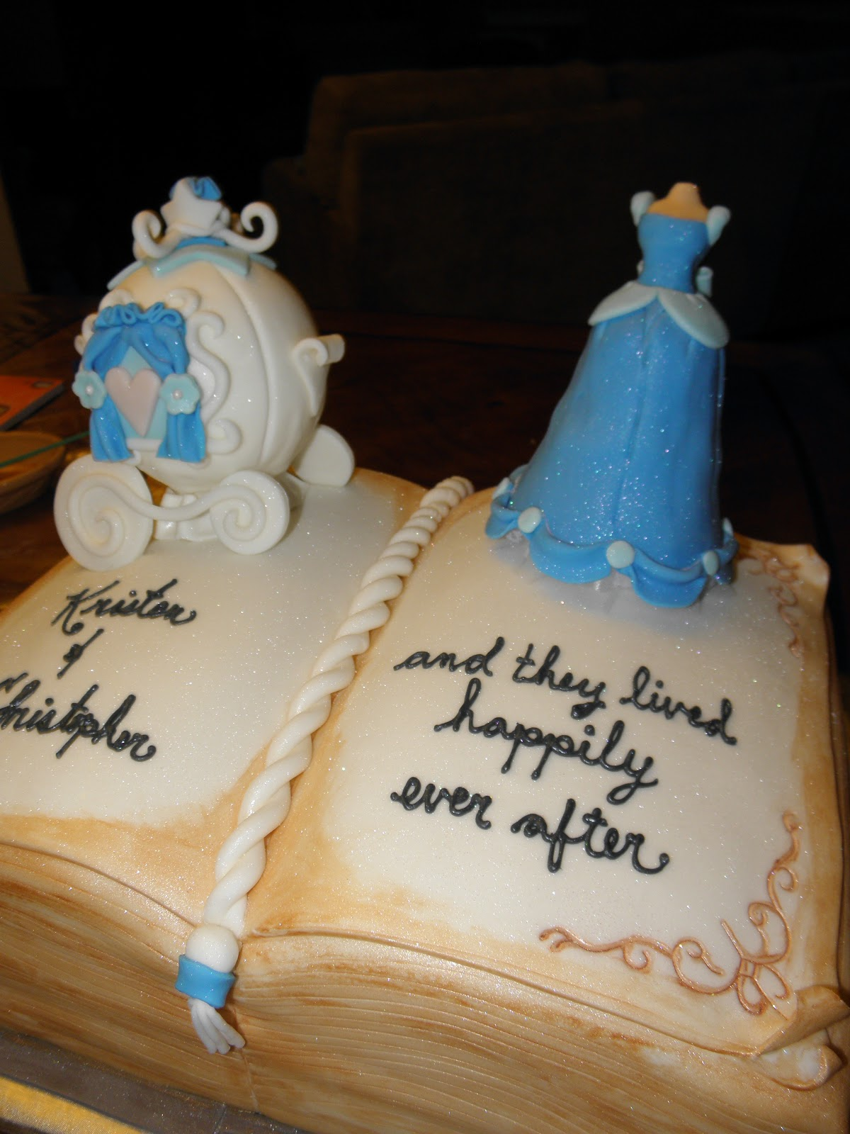 Cookie Dreams Cookie Co Cinderella Bridal Shower Cake