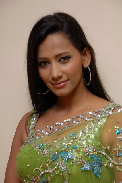 Sanjana Singh HD Wallpapers Free Download