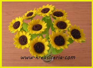 Bunga matahari (sun flower) dari bahan kain flanel