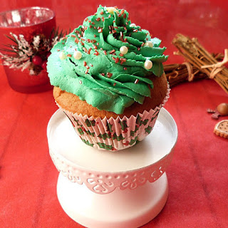 https://danslacuisinedhilary.blogspot.com/2015/12/cupcakes-sapin-epices-glacage-cannelle.html