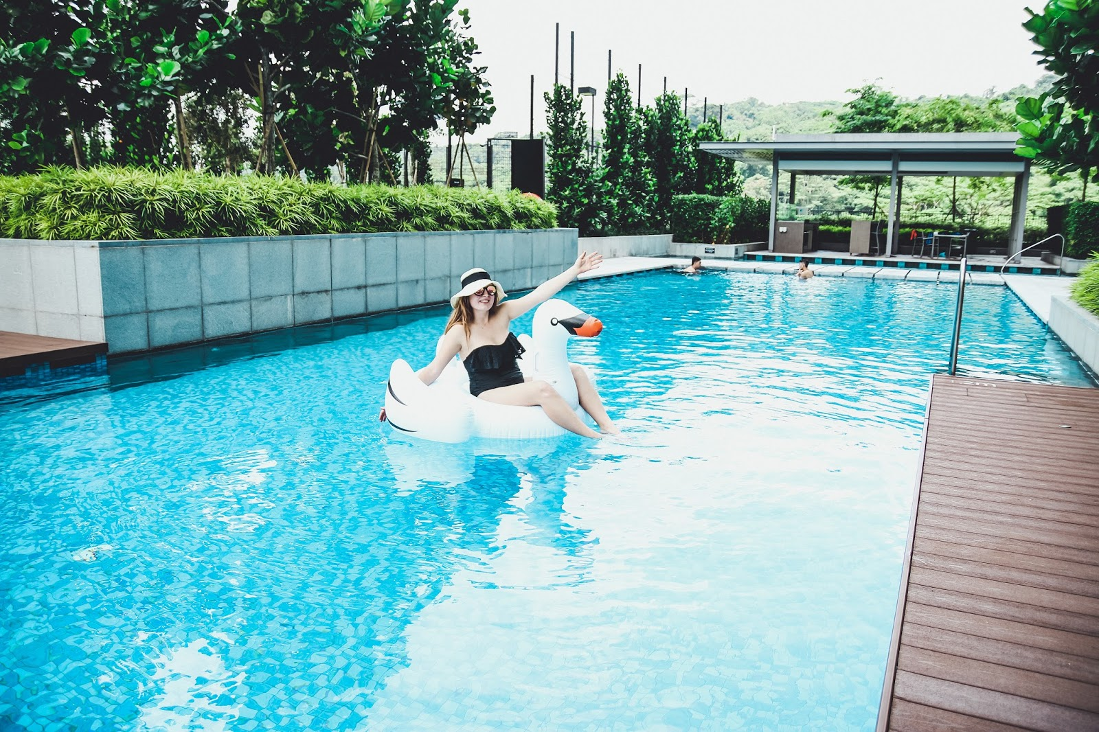 7 Reasons Why You Should Buy A Swan Pool Floatie