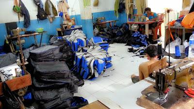 proses pembuatan tas