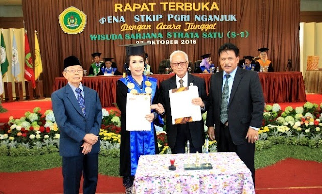 STKIP PGRI Nganjuk Gelar Wisuda ke-35 Cetak Sarjana Pendidikan Kompeten dan Andal