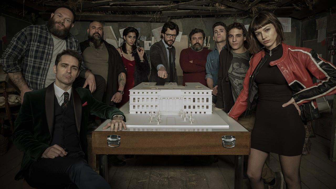 Amigos invadem banco mascarados como personagens de 'La Casa de Papel'