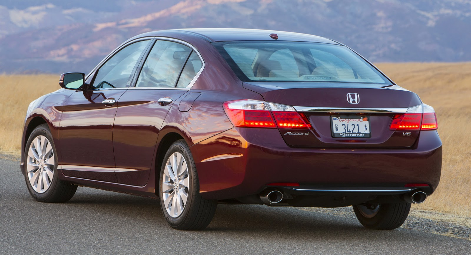 Honda Debuts 2016 Accord Facelift, We Visually Compare It