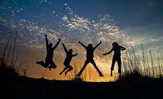 4 Contoh Teks Cerpen Lengkap Dan Singkat Dengan Unsur Intrinsiknya Tentang Persahabatan, Pendidikan Dan Cinta Sejati
