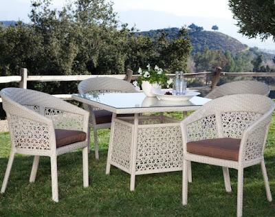Chọn mẫu bàn ghế cafe nhập ngoại đẹp
