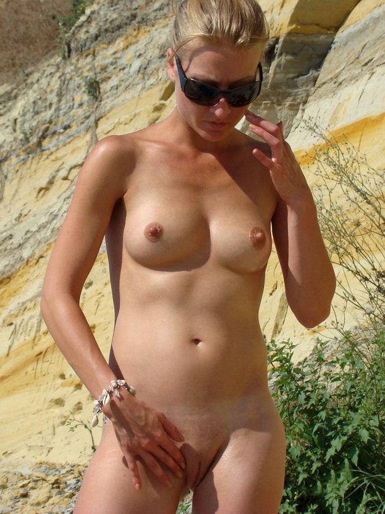 Nude Beach Mostly Candids  Nudes Girl-3783