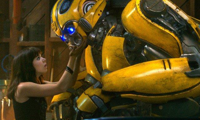 Review Film Bumblebee : Kisah Hidup Robot yang Manusiawi