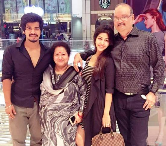 Sonarika Bhadoria with parents and brother