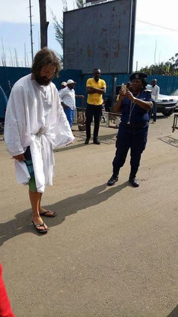 Jesus lookalike Spotted In Lagos, allegedly disappears while people were taking photos (Photo)
